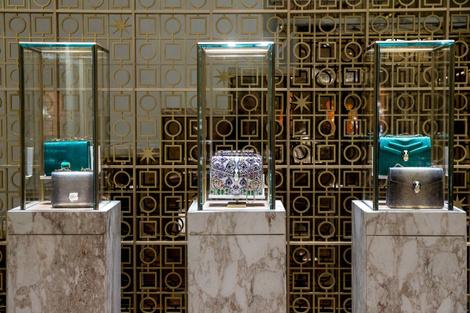 Из Рима с любовью: королевский подарок от BVLGARI для Москвы | галерея [1] фото [6]
