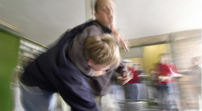 Когда подросток берется за нож: как предотвратить трагедию