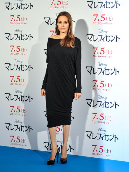 Наряды звезд: Анджелина Джоли