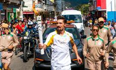 Дима Билан и Полина Гагарина пронесли олимпийский огонь в Рио