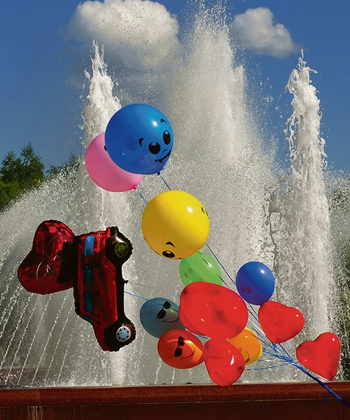 На игру воды и солнечных бликов можно смотреть бесконечно.