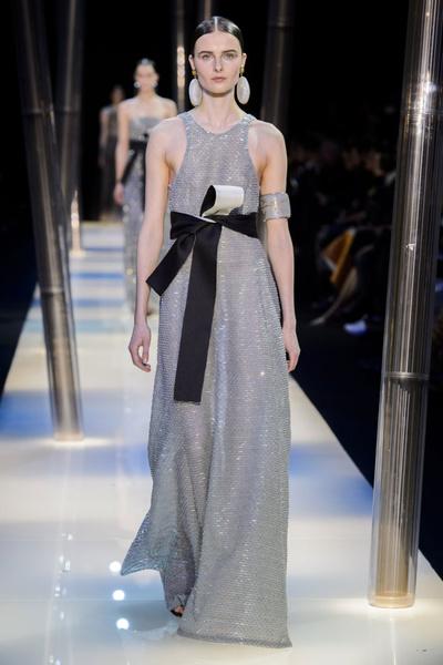 На Неделе высокой моды в Париже прошел юбилейный показ Giorgio Armani Prive | галерея [2] фото [14]