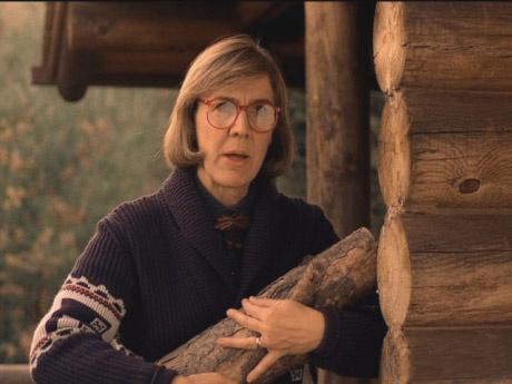 Своеобразная Дама с поленом (Кэтрин Коулсон), старожил города, которая общается с деревяшкой, думая, что в нее вселилась душа ее погибшего мужа. Она знает, в каком из лесов Твин Пикса спрятан загадочный Черный вигвам – средоточие всемирного зла.