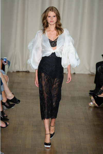 Показ Marchesa на Неделе моды в Лондоне
