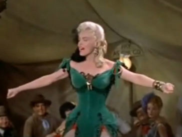 Кадр из фильма «Река, не текущая вспять» (1954 год)