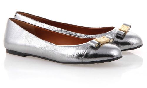 Вам кажется, что эту туфли обернули фольгой? Ошибаетесь – натуральная кожа