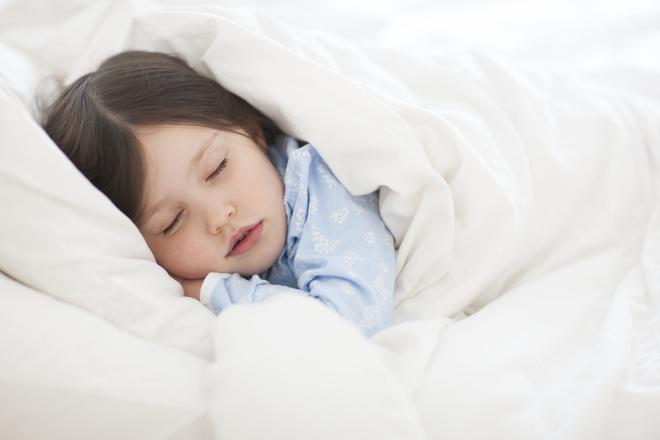 ребенок потеет ночью