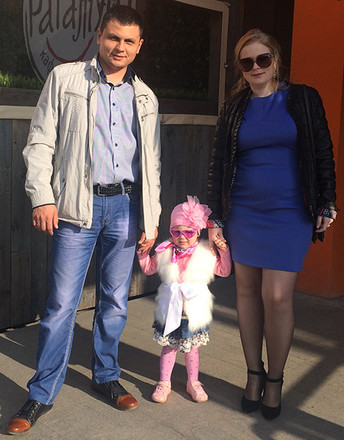 Анна Нурисламова с мужем и дочкой