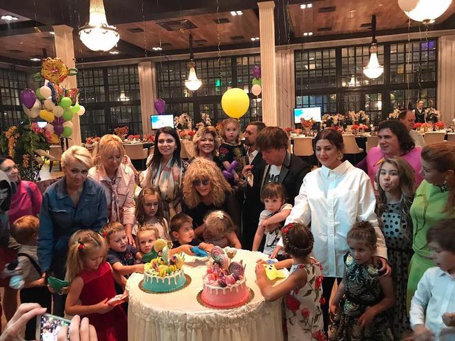 День рождения Гарри и Лизы Галкиных