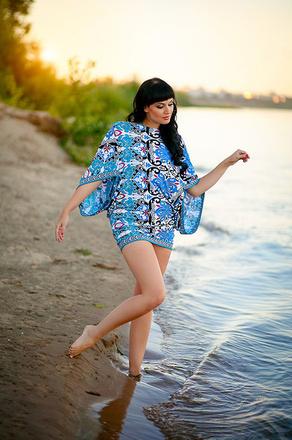 Красивые девушки у воды фото