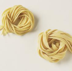 Гнезда из макарон с фаршем: пошаговый рецепт