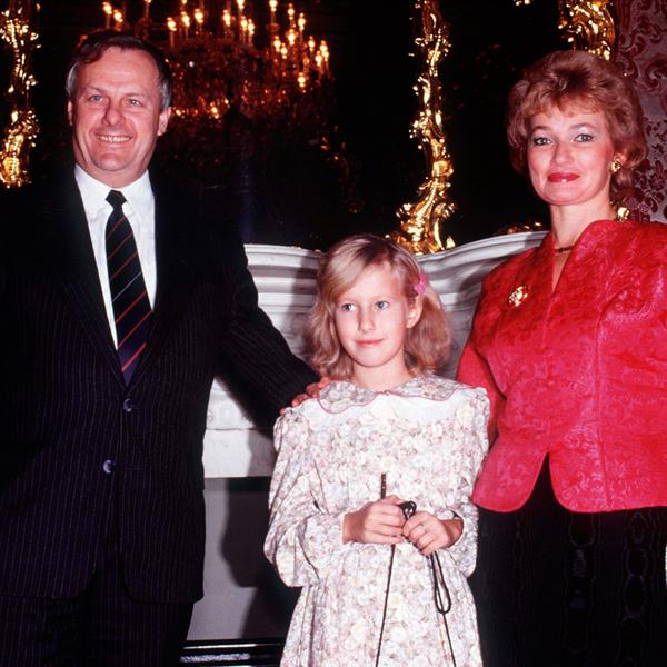 Ксения с родителями, которых называет идеальной парой. Начало 90-х.