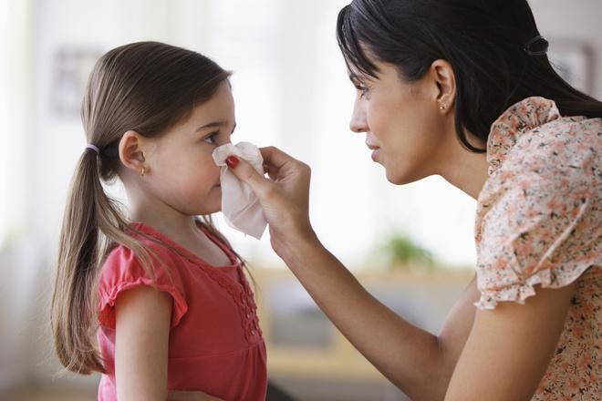 Как избавиться от насморка у ребенка