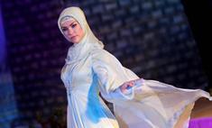 Жена Кадырова показала свою коллекцию одежды в Дубае