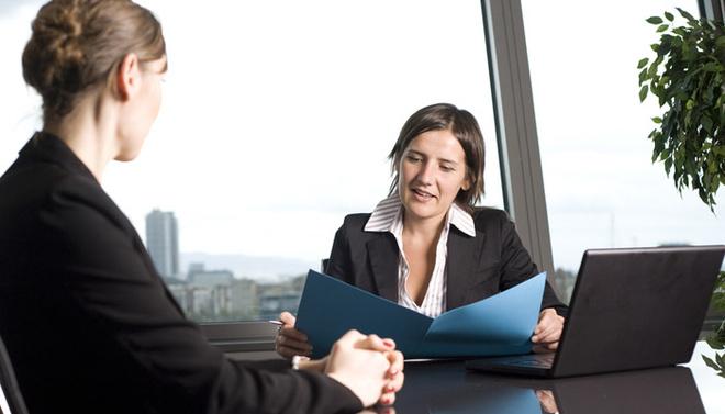 Работодатель смотрит, насколько быстро вы ориентируетесь в нестандартных ситуациях, склонны ли вы к агрессии, а также проверяет, умеете ли вы подчинять себе нервы.