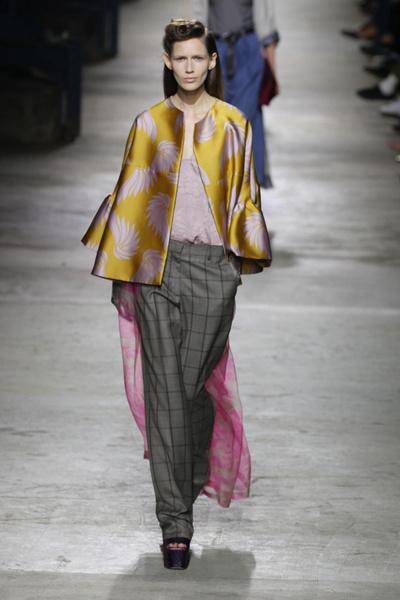 Неделя моды в Париже 2015: день второй | галерея [2] фото [9]