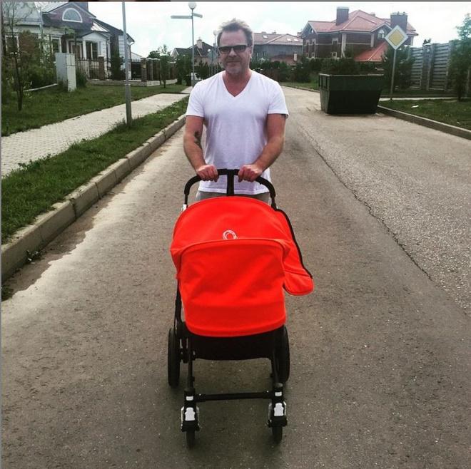Владимир Пресняков с ребенком фото