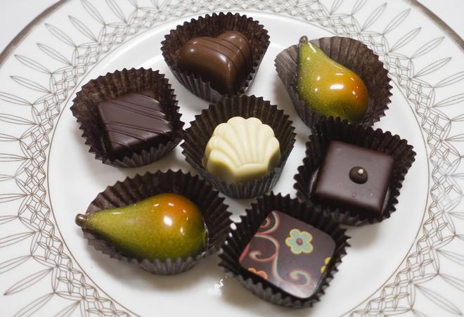 Почему хочется шоколада перед месячными