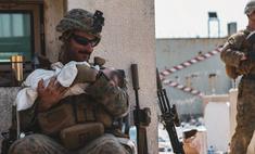 военные спасают детей афганистана чрезвычайно трогательные фото видео