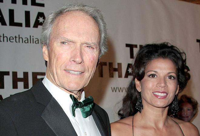 Клин Иствуд с женой, фото