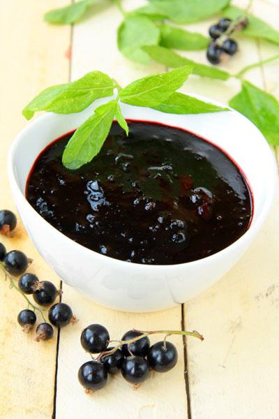 Классическое варенье из черной смородины