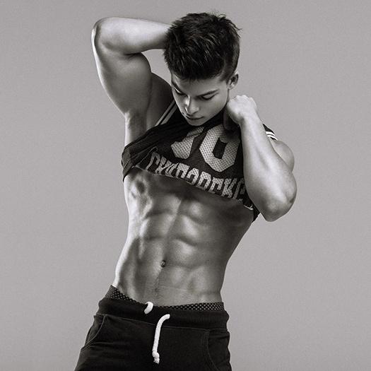 Сын Газманова стал эротической моделью петербургского агентства: фото