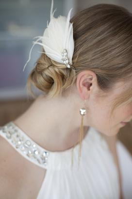 свадебное платье, фата, шляпа