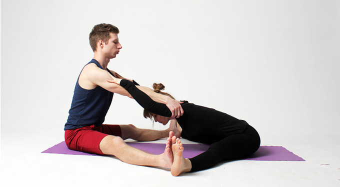 Yoga with a partner: 10 asanas to build relationships and awaken feelings