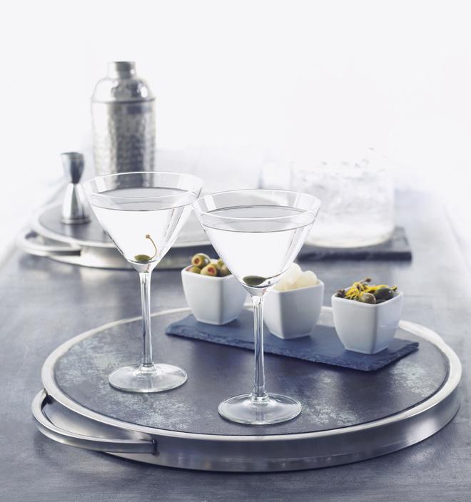 Советы: как правильно пить водку и чем закусывать