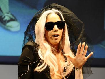 Леди ГаГа (Lady GaGa) снова возглавила чарт