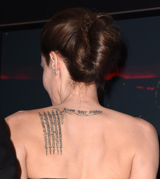 Джоли сделала три татуировки