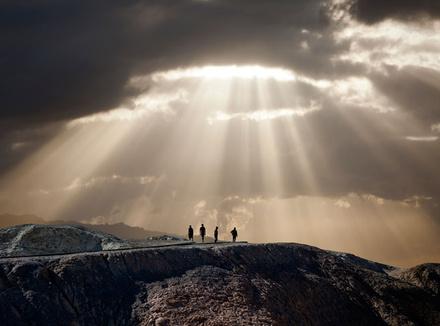 Люди и свет