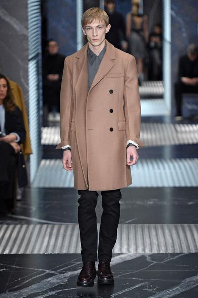 Бренд Prada представил на Неделе мужской моды в Милане сразу две коллекции | галерея [2] фото [20]