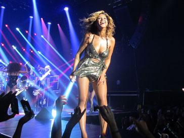 Бейонсе (Beyonce Knowles) исполнит пять кавер-версий песен Майкла Джексона