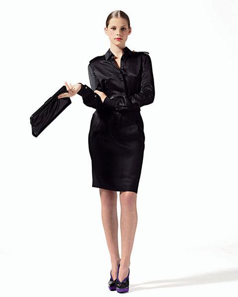 Блуза из шелка и юбка из шерсти, Roberta di Camerino;клатч, Jil Sander;туфли, Donna Karan