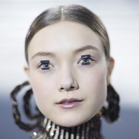 Макияж с показал Dior в Токио
