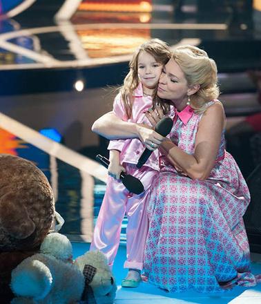 """Елена Думачева и ее дочь Марианна, шоу """"Два голоса"""""""