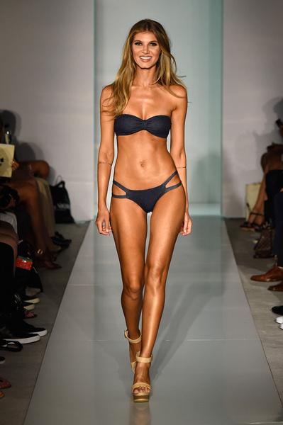 50 самых сексуальных купальников с Недели пляжной моды в Майами | галерея [1] фото [19]