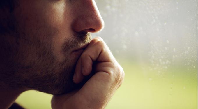 Как мужчины переживают расставания: 9 историй от первого лица