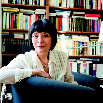 Наталья Кигай, психоаналитик, член Международной психоаналитической ассоциации, тренинг-аналитик Московского психоаналитического общества.«В языке психоанализа я услышала поэзию»