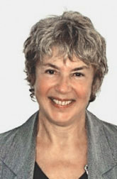 Доминик Пикар (Dominique Picard), специалист по личным и профессиональным конфликтам, автор книги «Вежливость, умение жить и социальные отношения» («Politesse, savoir-vivre et relations sociales», PUF, 2010).