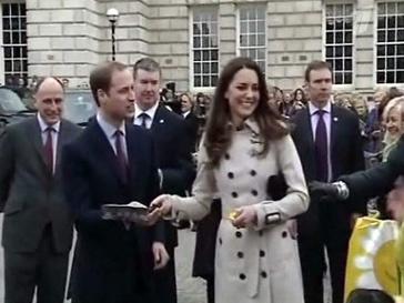 Принц Уильям (Prince William) и Кейт Миддлтон (Kate Middlеton) по британской традиции подбрасывали блины