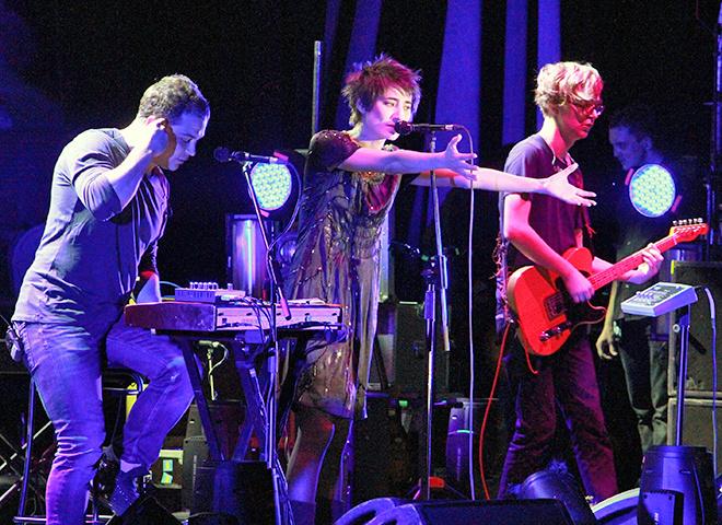 Земфира предложила фанатам составить плей-лист для ее концертного тура