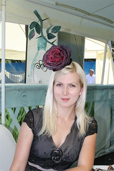 Фестиваль шляп на краснодарском ипподроме