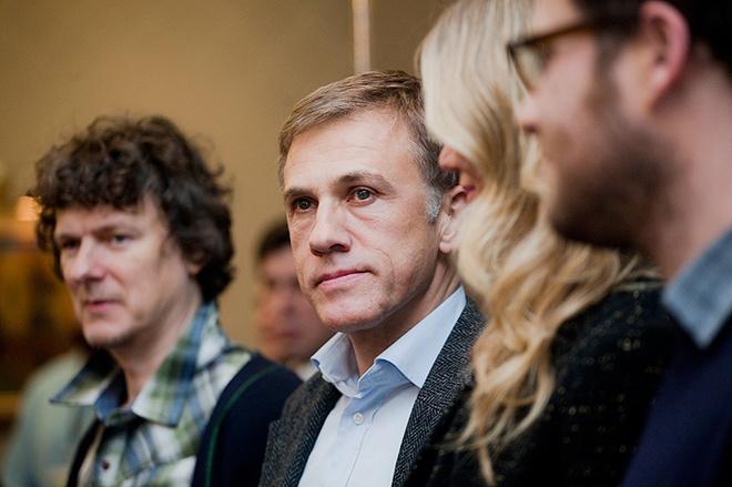 «Оскароносный» актер Кристоф Вальц, гениально сыгравший полковника Ханса Ланда в «Бесславных ублюдках». Журналисты приветствовали Вальца бурными аплодисментами на пресс-конференции.