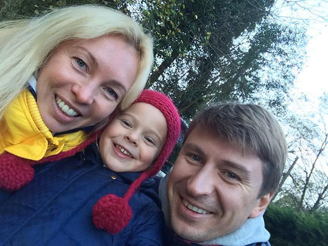 Алексей Ягудин с дочкой Лизой