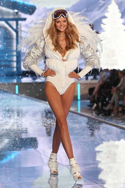 Модель Катю Григорьеву после увольнения из Victoria's Secret бросил муж: фото, видео, подробности