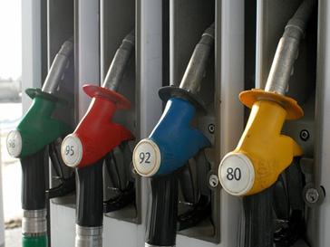 Экологичный бензин появится на немецких заправках
