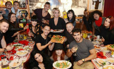 Бритни устроила праздничный ужин для своих музыкантов