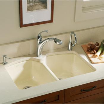 Большая раковина чугунной кухонной мойки Tanager (Kohler), 16 400 руб., помогает сделать простым и удобным даже мытье громоздкой посуды